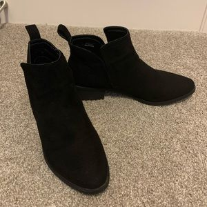 Steve Madden Suede Boots